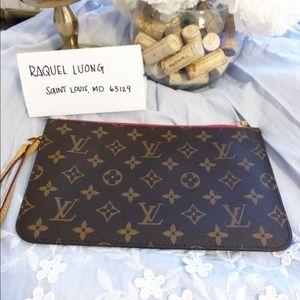 Louis Vuitton neverful wristlet pochette